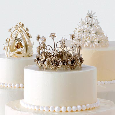 winter-wedding-cake-toppers-2.jpg