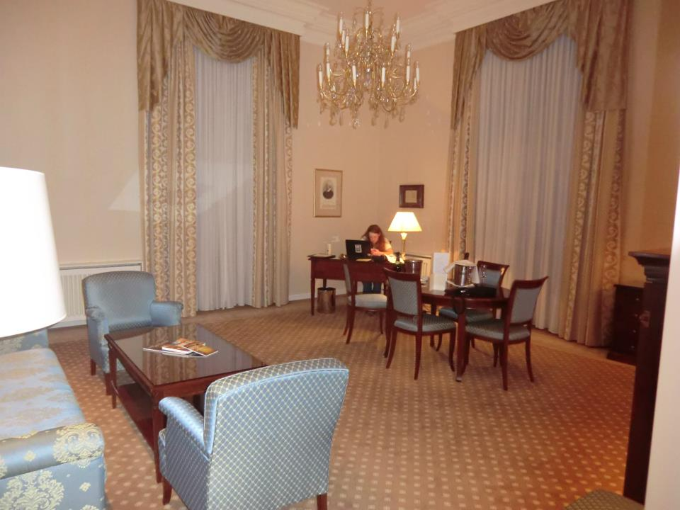 /http://www.bryllupsvenner.no/wp-content/uploads/attachments/169144=1952-Suite Hotel de France1.jpg